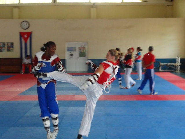 Helena Fromm beim Sparring in Cuba